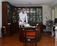 Dr. Thomas Sycha